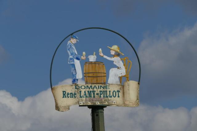 Logo des Weinguts Lamy-Pillot im Burgund.